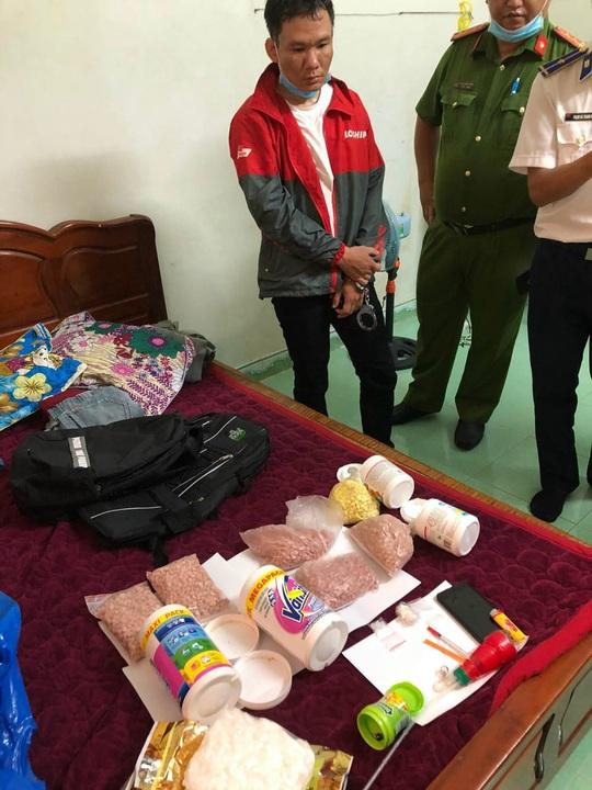 Mật phục bắt ông trùm đường dây ma túy quy mô ở quận Tân Bình - Ảnh 3.