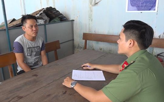 CLIP: Bắt giam kẻ tổ chức cho 13 người Trung Quốc xuất cảnh trái phép - Ảnh 2.
