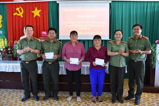 Sóc Trăng và Tiền Giang chăm lo cho người lao động khó khăn - Ảnh 2.
