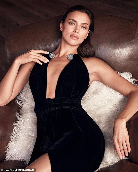 Siêu mẫu Irina Shayk khỏa thân táo bạo - Ảnh 3.