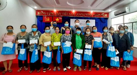 PNJ trao 1 tỷ đồng hỗ trợ phụ nữ khó khăn do tác động đại dịch - Ảnh 4.
