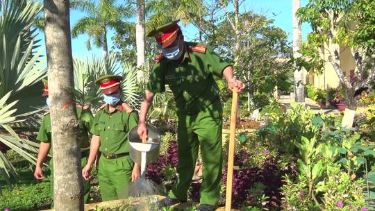 CLIP: Hưởng ứng lời kêu gọi của Thủ tướng, trại giam ở Cà Mau trồng hơn 10.000 cây xanh - Ảnh 6.