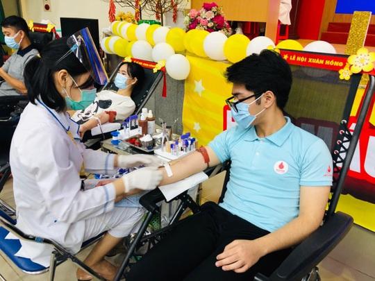 Thay đổi cách vận động hiến máu trong tình hình mới - Ảnh 2.