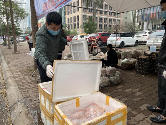 Sau rau củ quả, đến lượt giải cứu gà đồi Hải Dương 55.000 đồng/kg - Ảnh 2.