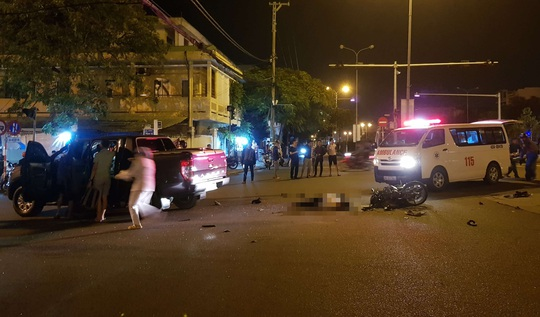 Một người chết, 2 người bị thương sau vụ tai nạn lúc nửa đêm - Ảnh 1.