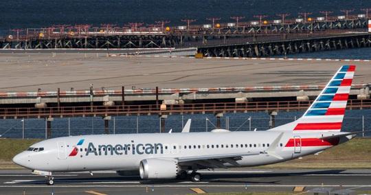 Đang bay, phi công Boeing 737 MAX phải tắt động cơ, hạ cánh khẩn cấp - Ảnh 1.