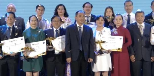 Trường ĐH Y Khoa Phạm Ngọc Thạch đạt giải thành tựu y khoa nổi bật Việt Nam - Ảnh 1.