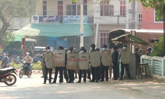 Myanmar: Biểu tình lan rộng, quan chức đảng NLĐ thiệt mạng - Ảnh 2.
