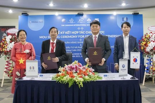 Ngân hàng Shinhan và Khôi Nguyên ký thỏa thuận hợp tác chiến lược - Ảnh 1.