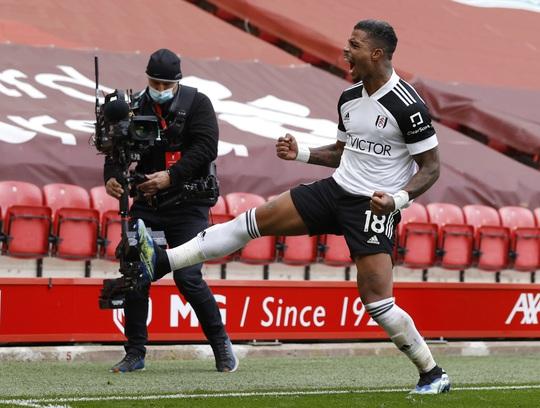 Tân binh Fulham thắng sốc, đương kim vô địch Liverpool sa lầy ở Anfield - Ảnh 6.