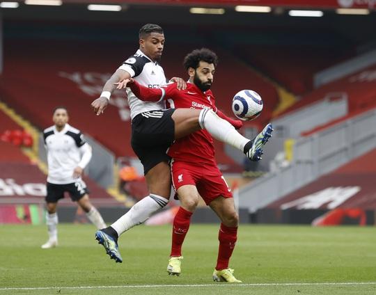 Tân binh Fulham thắng sốc, đương kim vô địch Liverpool sa lầy ở Anfield - Ảnh 5.