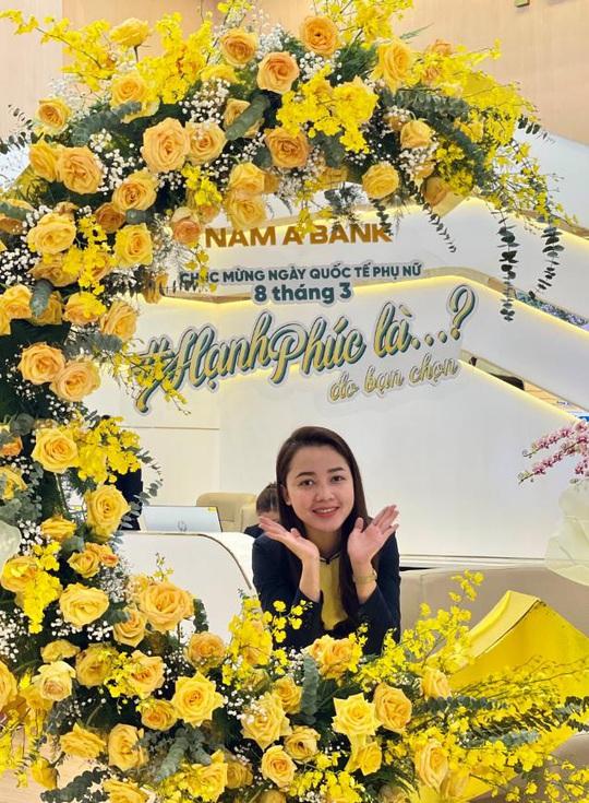Nam A Bank lan tỏa thông điệp hạnh phúc nhân dịp 8-3 - Ảnh 2.