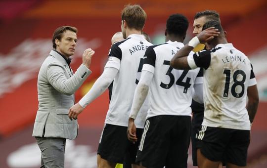 Tân binh Fulham thắng sốc, đương kim vô địch Liverpool sa lầy ở Anfield - Ảnh 8.