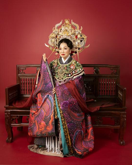 Hoa hậu Khánh Vân hoá thân thành Thái hậu Dương Vân Nga - Ảnh 2.