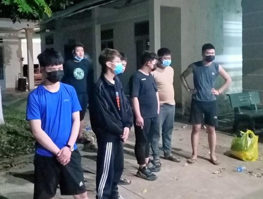 Bình Phước phát hiện 9 người Trung Quốc nhập cảnh trái phép - Ảnh 1.