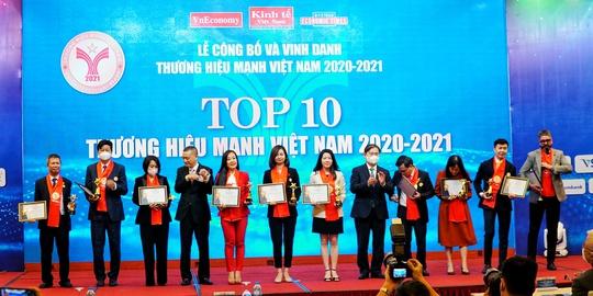 Techcombank được vinh danh Top 10 thương hiệu mạnh Việt Nam 2021 - Ảnh 1.