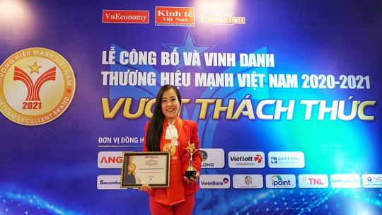 Techcombank được vinh danh Top 10 thương hiệu mạnh Việt Nam 2021 - Ảnh 2.