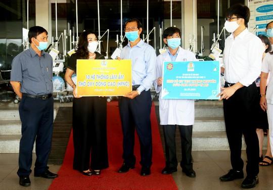 Nhiều người khó khăn được Quỹ Từ thiện Kim Oanh hỗ trợ - Ảnh 1.