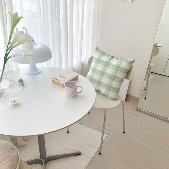 Mẹo trang trí căn hộ với màu trung tính - Ảnh 1.