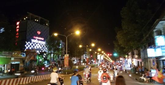 Đồng Nai mở lại quán karaoke, bar, vũ trường - Ảnh 1.