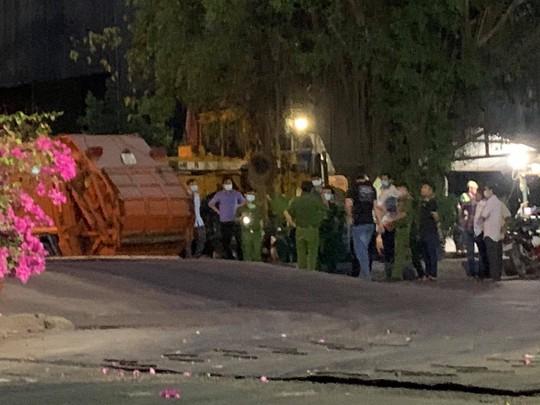 Bình Dương: Nam công nhân thu gom rác tử vong lúc làm việc - Ảnh 2.