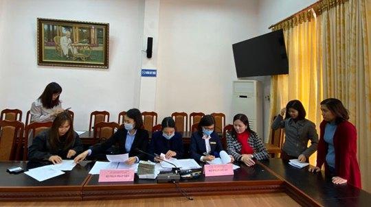 Hà Nội: Giải ngân trên 2,3 tỉ đồng cho CNVC-LĐ vay vốn - Ảnh 1.