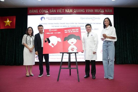 Con Bò Cười ký kết hợp tác 3 năm cùng Operation Smile - Ảnh 1.