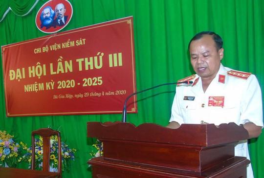 Khiển trách 2 viện trưởng VKSND ở Bình Phước - Ảnh 1.
