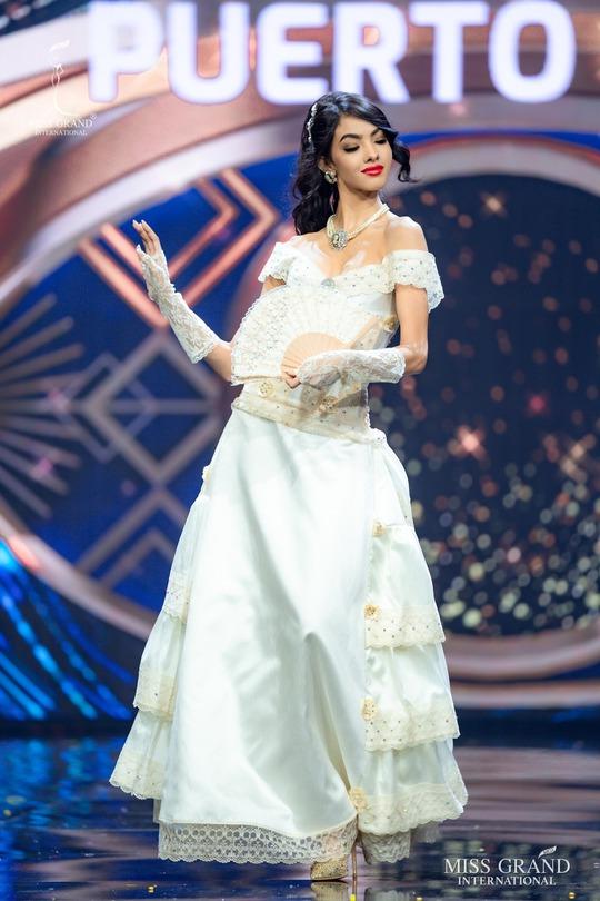 Bắt mắt với những bộ Quốc phục tại cuộc thi Hoa hậu Hòa Bình Thế giới - Ảnh 14.