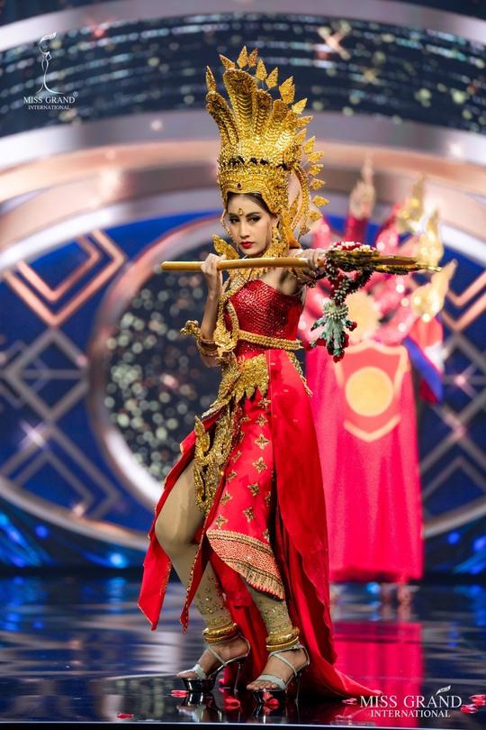 Bắt mắt với những bộ Quốc phục tại cuộc thi Hoa hậu Hòa Bình Thế giới - Ảnh 4.
