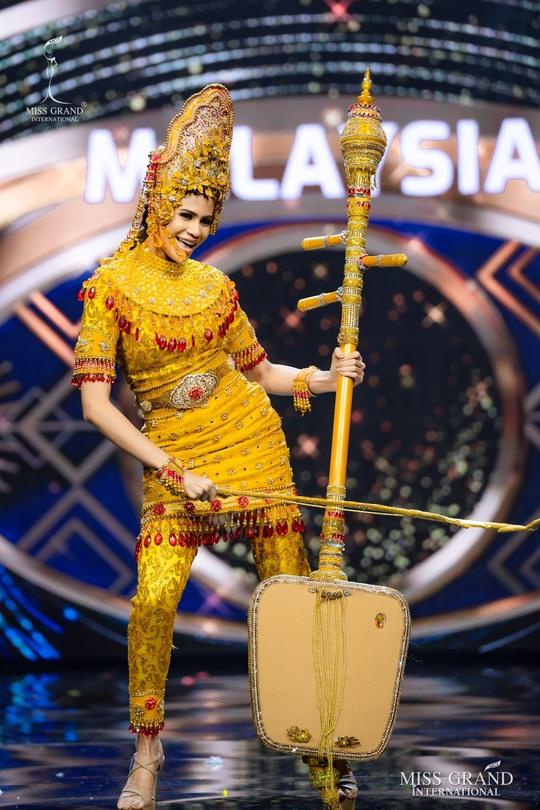 Bắt mắt với những bộ Quốc phục tại cuộc thi Hoa hậu Hòa Bình Thế giới - Ảnh 28.
