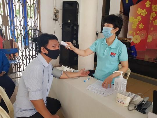 Đoàn viên tích cực tham gia hiến máu cứu người - Ảnh 5.