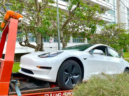 Trường ĐH đầu tiên đưa ôtô điện Tesla cho sinh viên thực hành - Ảnh 1.