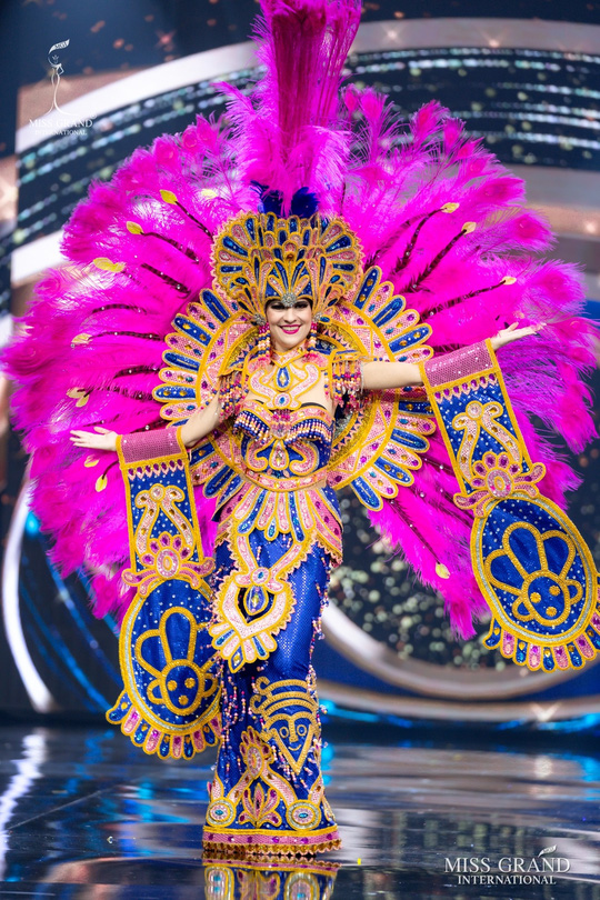Bắt mắt với những bộ Quốc phục tại cuộc thi Hoa hậu Hòa Bình Thế giới - Ảnh 22.