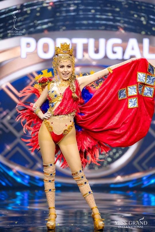 Bắt mắt với những bộ Quốc phục tại cuộc thi Hoa hậu Hòa Bình Thế giới - Ảnh 15.