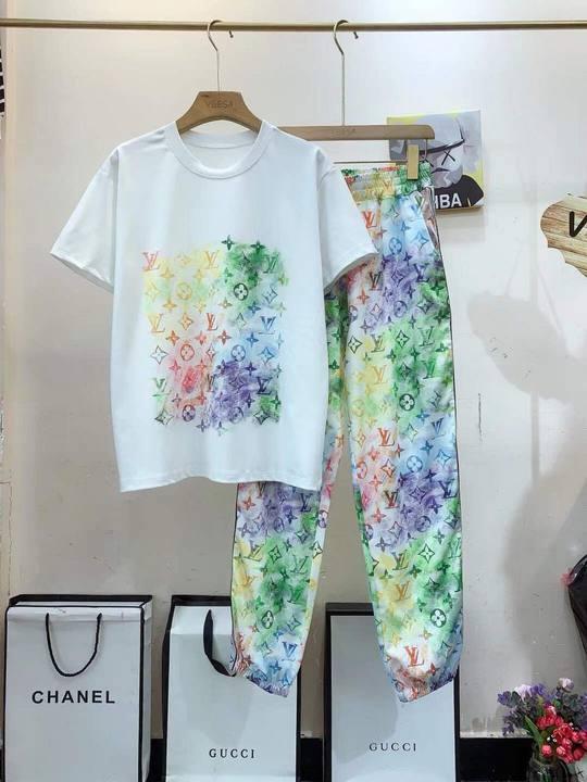 Bích Cẩm Shop: Thương hiệu thời trang giá rẻ được yêu thích - Ảnh 6.