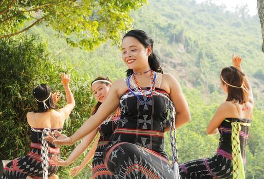 Đặc sắc lễ hội văn hóa Mùa yêu Toom Sara Fest của người Cơ Tu - Ảnh 4.