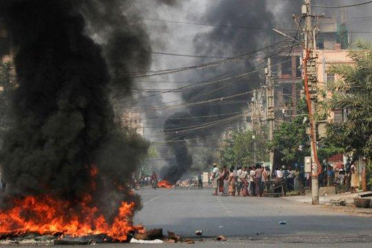 Myanmar: Hơn 100 người thiệt mạng một ngày, tướng lĩnh thế giới lên tiếng - Ảnh 1.