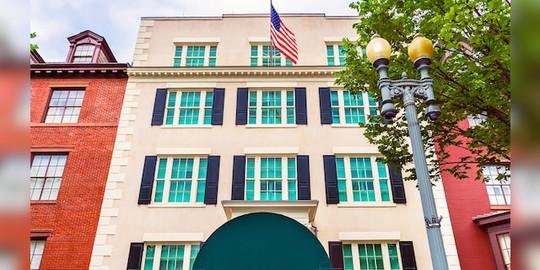 Phó Tổng thống Harris khó chịu vì chưa thể dọn vào dinh thự riêng - Ảnh 1.