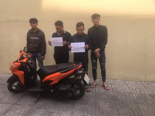 Cục CSGT làm việc với 2 Facebooker từng khoe chặn cao tốc TP HCM - Long Thành - Dầu Giây để đua xe - Ảnh 1.