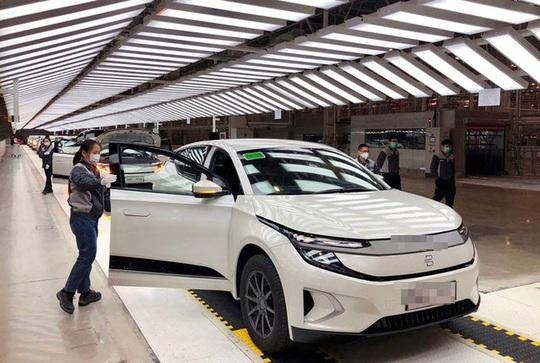 Thấy gì khi Trung Quốc đang đổi thay bàn cờ ô tô điện của thế giới? - Ảnh 1.