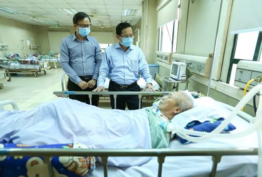 Mai vàng nhân ái thăm nhạc sĩ Phú Quang - Ảnh 6.