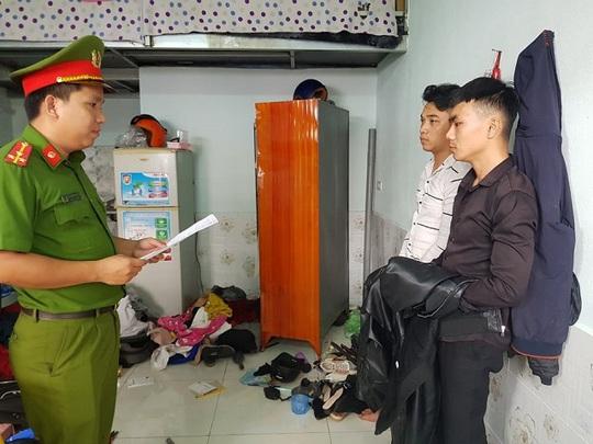 Quảng Nam: Bắt 2 thanh niên trộm tiền, vàng - Ảnh 1.