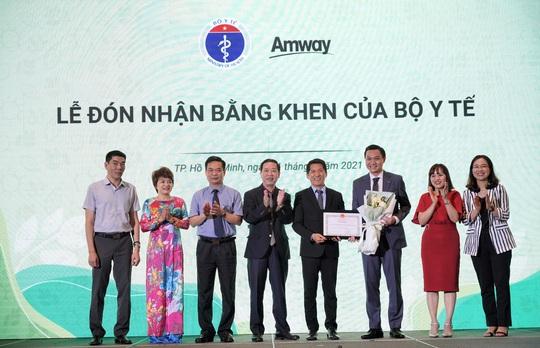 Amway Việt Nam tự hào lần thứ 2 đón nhận Bằng khen của Bộ Y Tế - Ảnh 1.