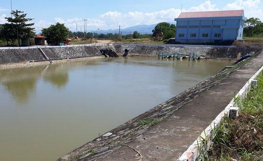 """Độ mặn gần 1/3 nước biển, nhiều khu vực Đà Nẵng """"khát"""" nước sinh hoạt - Ảnh 1."""