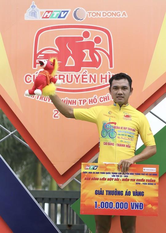 Tay đua Lê Nguyệt Minh trượt ngã ngay mức đến, bị cảnh cáo - Ảnh 8.