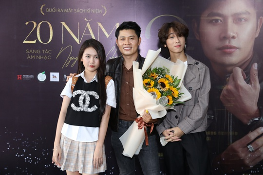 Tác giả Nhật ký của mẹ, Nguyễn Văn Chung, lẻ bóng ngày kỉ niệm 20 năm làm nghề - Ảnh 4.