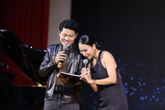 Tác giả Nhật ký của mẹ, Nguyễn Văn Chung, lẻ bóng ngày kỉ niệm 20 năm làm nghề - Ảnh 9.