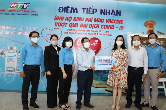Sawaco: Trao 260 triệu đồng ủng hộ quỹ mua vaccine phòng, chống Covid-19 - Ảnh 1.