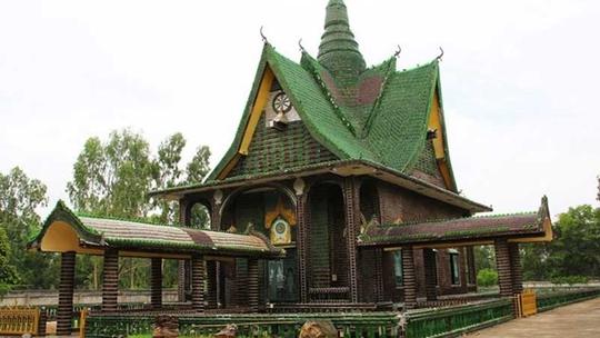 """Ngôi chùa vỏ chai - Kiến trúc """"có một không hai"""" ở Thái Lan - Ảnh 3."""